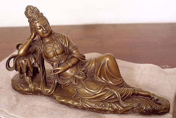 quan yin sculpture reclining
